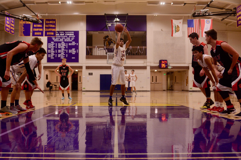boys-basketball-mvhs-vs-san-lorenzo-valley-hs-14