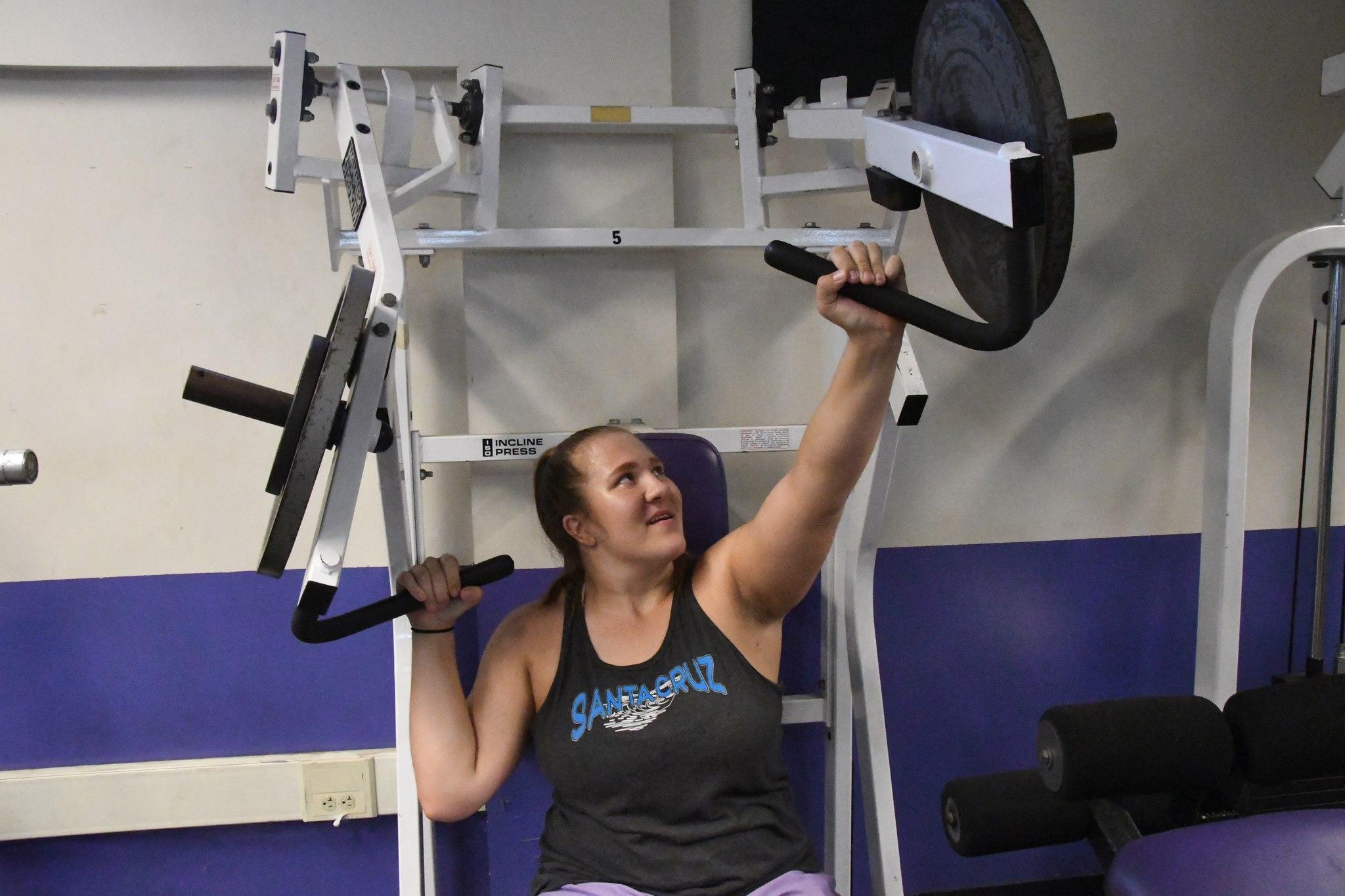 lassa in weight room