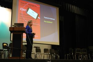 Dr. Twenge answers parents' questions about her presentation. Photo by Ria Kolli.